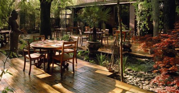 Con syl in cucina ristorante shambala milano archives for Il giardino milano ristorante